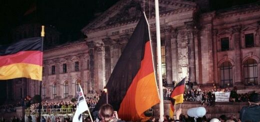 Bundesarchiv_Bild_183-1990-1003-400,_Berlin,_deutsche_Vereinigung,_vor_dem_Reichstag