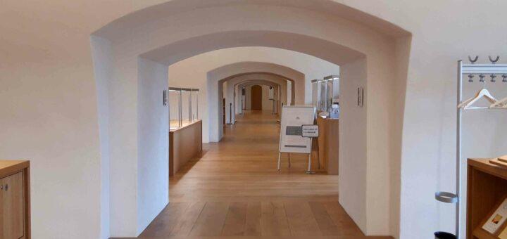 Enfilade im Freihandbereich der Reformationsgeschichtlichen Forschungsbibliothek Wittenberg